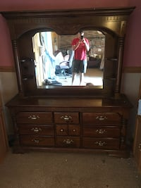 Solid wood hutch Johnstown, 43031