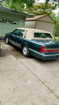 CHIEFS SPECIAL! Lincoln - Town Car - 1996 Raytown, 64133