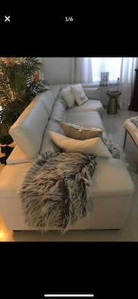 American signature sectional sofa. If it's posted ITS AVAILABLE Allentown, 18103