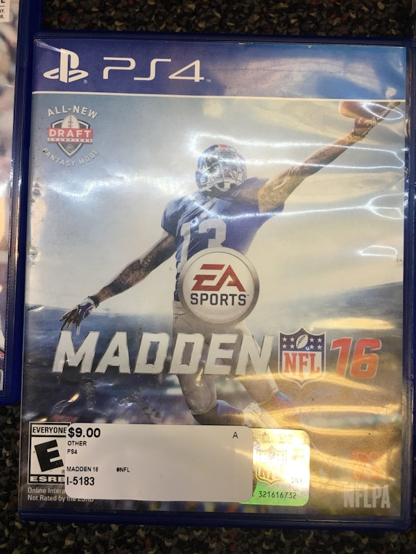Madden PS4 bundle  183cd6c0-37ab-4a87-8766-dea563150cfb