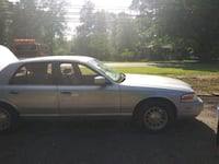 Ford - Crown Victoria - 2000 Capitol Heights, 20743