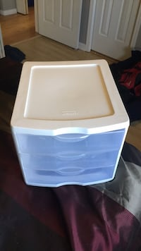 Must go this week 3 drawer plastic organizer  Calgary, T2E