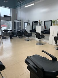 Barbers and salon stations for rent Brampton, L6T