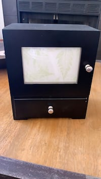 Jewelry box with pull out drawers