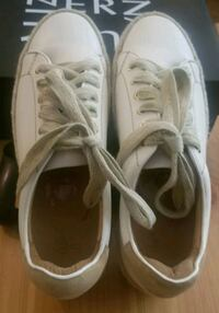 Size 8.5 Joie Sneakers  Toronto, M2N