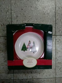 white and red Christmas-themed soup bowls box Southfield, 48076