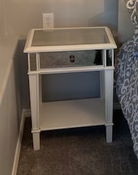 Mirrored Bedside table Hillsboro, 97123
