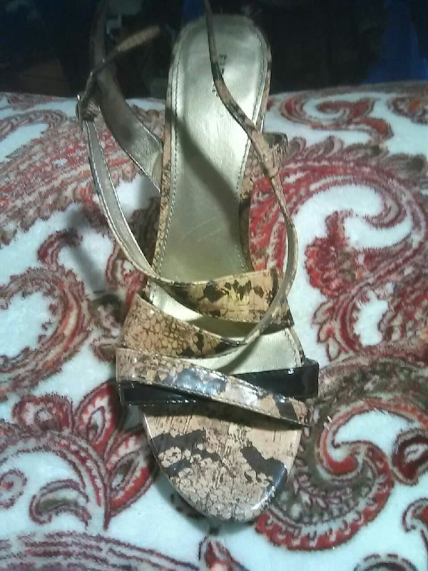 4a4f0ac47906 Used Fioni heels snake skin print 8.5 for sale in Lakewood - letgo
