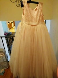 Girls 7 flower girl dress ballgown style  South Bend, 46628