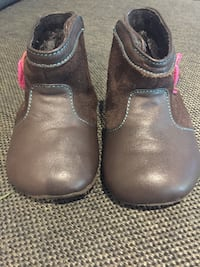Baby girl boots size 12-18 months LaGrangeville, 12540