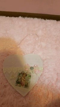 Pink vintage picture heart piece