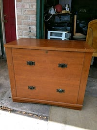 2 drawers dresser/nightstand 35 bucks Corpus Christi, 78412