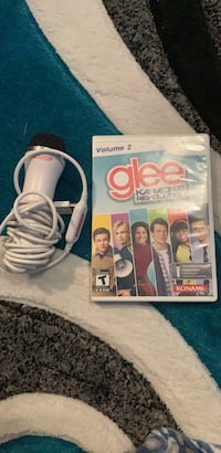 Glee game and microphone for wii Minot, 58703