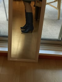 Gorgeous soft leather boots size 7 wide  Burnaby, V5C 3T8