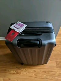 Brand new Heys luggage. Mississauga, L5N 1J2