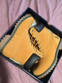 brown and black leather work boots in box Cincinnati, 45205