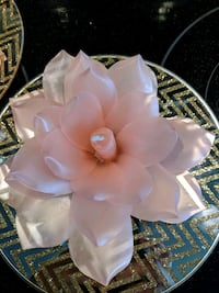 Beeswax rose candle Edmonton, T5T 3J7