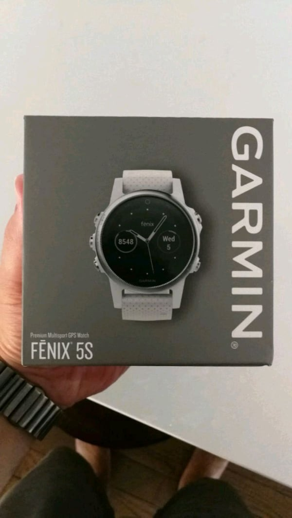 Garmin Watch  5202796b-bb36-4dea-bb04-ea59faff5923