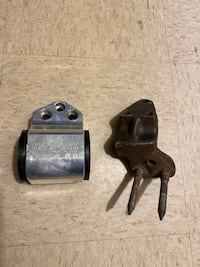 Engine support and bracket