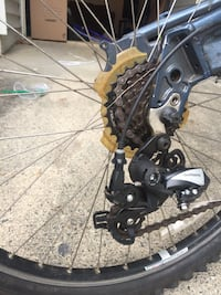 Has problem as photo, brakes new, back tire, seat McLean, 22102