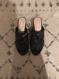 Pair of black leather open-toe heeled sandals Vancouver, V6B