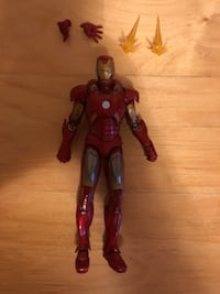 Iron Man action figure (comes with everything) Toronto, M2N 6X4