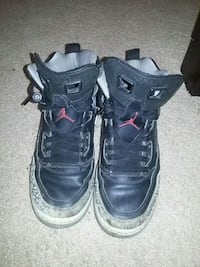 pair of black Air Jordan basketball shoes Brooklyn, 49230