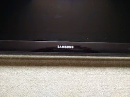 Samsung TV 32 inches