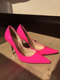 GUESS Neon Pink Pumps with Silver Heel null