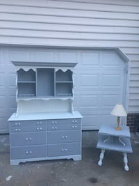 Dresser and hutch with side table Glen Allen
