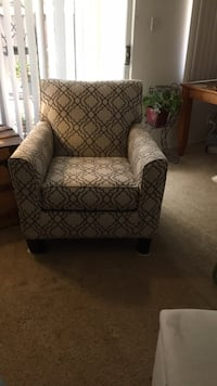 gray and black fabric sofa chair Los Angeles, 91325