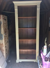Handmade beautiful bookcase for pics hooks inside for lights  17 in high 14 1/2 from back to front. 33 inches wide. Doesn't fit in new home hate to part with it beautiful a steal Norwell, 02061