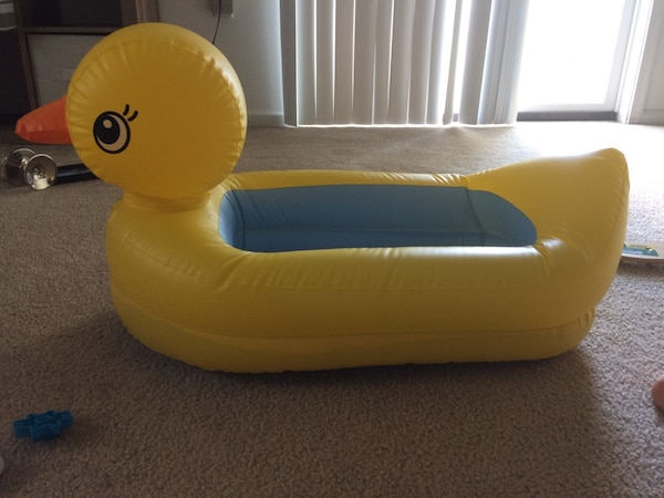 Used yellow duck inflatable boat for sale in Virginia Beach - letgo