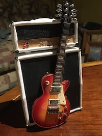** TIRELIRES BANQUE   ** Marshall half stack & Gibson les Paul