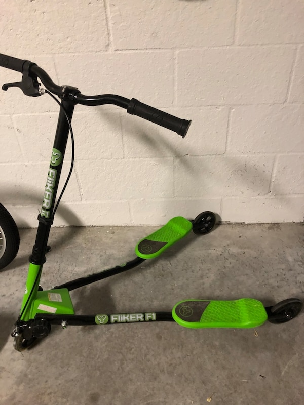 Y Fliker Scooter >> Used Yvolution Y Fliker F1 Flow Kids Drifting Scooter Foldable For
