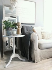 Side table  Millbury, 01527