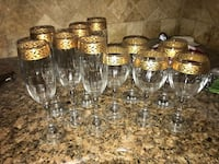 5 wine glasses with gold trim 5 champagne glasses with gold trim  New York, 10465