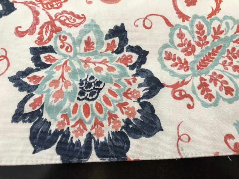 4 Cynthia Rowley placemats 15x15 new 1