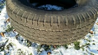 Two p235/75r/15 tires of 4x4 S10