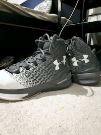 Under armour basketball shoes  Mississauga, L5N 8P4