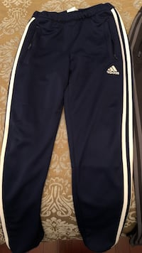 Unisex Adidas Youth track pants (size M) Vaughan, L4K 3Z9