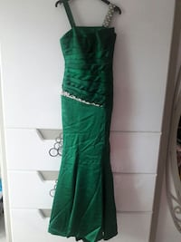 women's green maxi dress