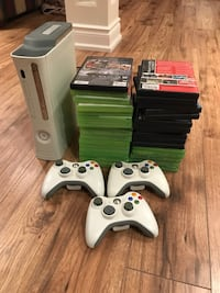 Xbox 360 and games + 3 controllers Keswick, L4P 3Y3