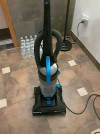 Vacuum.bagless.like new and only 1yr old. Spring Hill, 34608