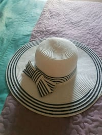 Womens sun hat brand new never worn Toronto, M6E 4E3