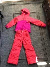 Columbia size 8 girls snowsuit -in great condition!