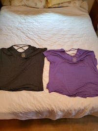 Womens shirts 2xl 2 for 4.00 Johnstown, 15905