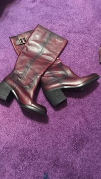 pair of black-and-red leather heeled high boot s Fruitland, 21826
