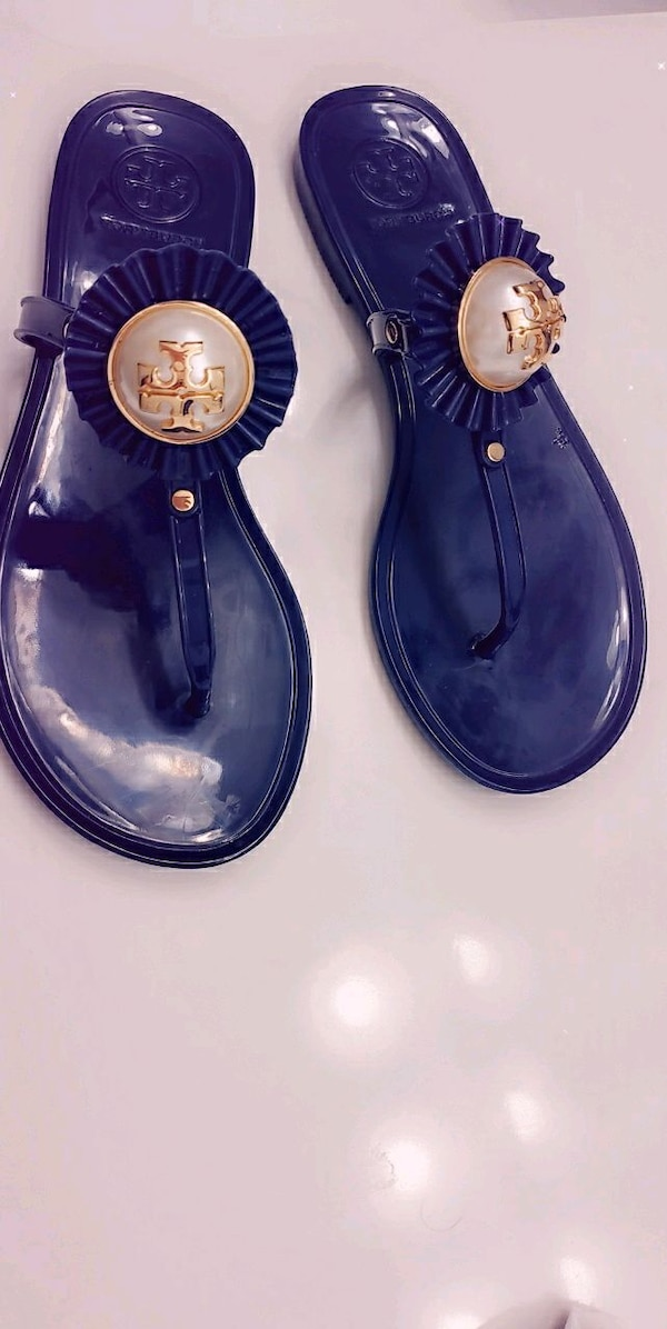 Size 5 Tory burch sandals 2