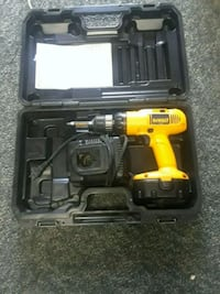 yellow and black DEWALT cordless power drill with case 515 mi